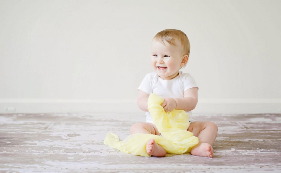 5 Teething Symptoms In Babies And How To Treat Them