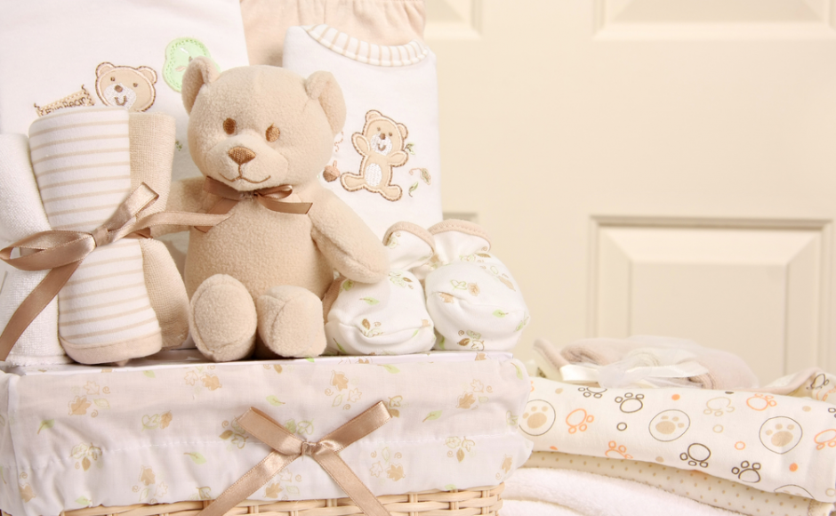 10 Best Baby Gifts For New Mothers: Features, Price, Pros & Cons