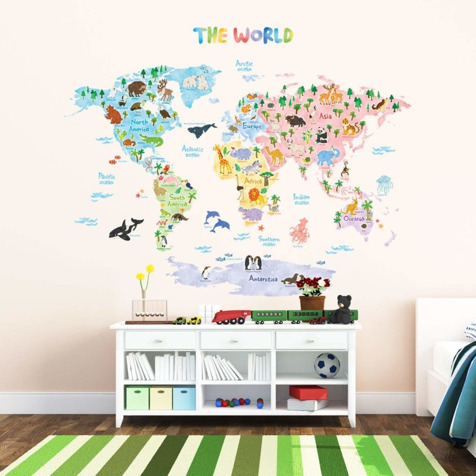 DECOWALL DLT-1615 Animal World Map Kids Wall Decals